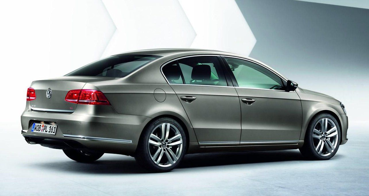 Breaking news: Volkswagen Passat Limousine / Variant 2011 ...